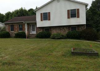 Foreclosed Home en KELLY BLVD, Slippery Rock, PA - 16057