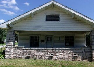 Foreclosed Home en N ELM ST, Pierce City, MO - 65723