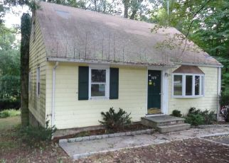 Foreclosed Home en BLACK ROCK TPKE, Fairfield, CT - 06825