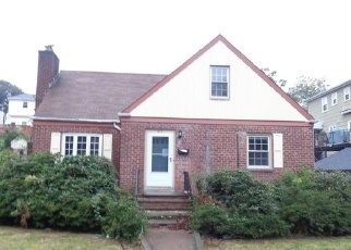 Foreclosed Home en NOBLE AVE, Bronxville, NY - 10708