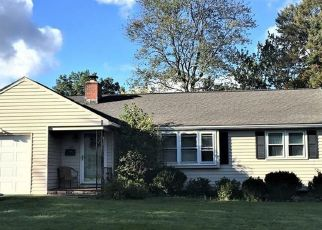 Foreclosed Home in CLEARFIELD RD, Wethersfield, CT - 06109