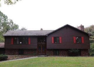 Foreclosed Home in LLOYD ST, Hamden, CT - 06518