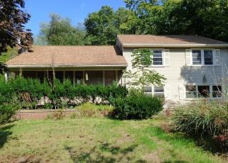 Foreclosed Home in MERIDEN AVE, Southington, CT - 06489