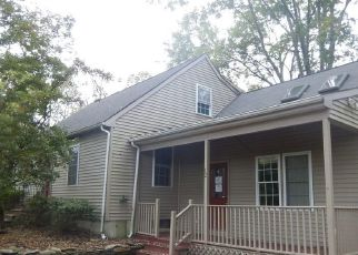 Foreclosed Home en GOLDSTEIN RD, Jewett City, CT - 06351