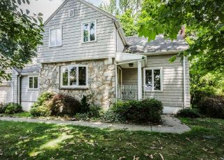 Foreclosed Home in W LAWN RD, Livingston, NJ - 07039