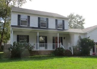 Foreclosed Home en PACES FERRY RD, Chester, VA - 23831