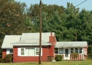 Foreclosed Home en BRADSHAW LN, Fredericksburg, VA - 22405