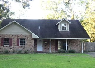 Foreclosed Home in GRAHAM DR, Baton Rouge, LA - 70814