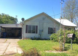 Foreclosed Home in DANDURAND RD, Sunset, LA - 70584