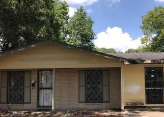Foreclosed Home in ALBANY ST, Baton Rouge, LA - 70812