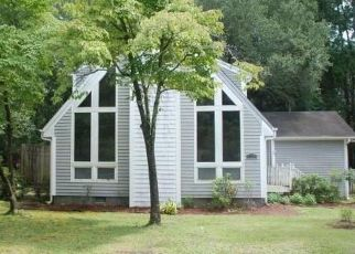 Foreclosed Home in S OLDE TOWNE WYND SE, Leland, NC - 28451