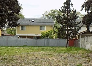 Foreclosed Home en S PROSPECT ST, Tacoma, WA - 98409