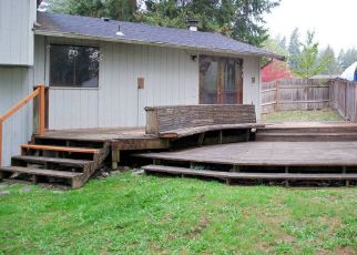 Foreclosed Home en 126TH AVENUE CT E, Puyallup, WA - 98374