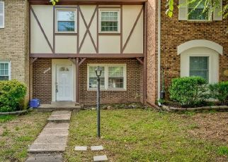 Foreclosed Home en PADDINGTON LN, Centreville, VA - 20120