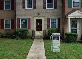 Foreclosed Home en HILLMEAD CT, Springfield, VA - 22150