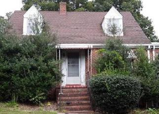 Foreclosed Home en HULL STREET RD, Richmond, VA - 23236