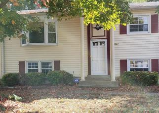 Foreclosed Home in KINGSWELL DR, Woodbridge, VA - 22193