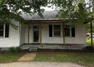 Foreclosed Home en RIDGE ST, Madison Heights, VA - 24572