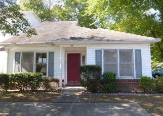 Foreclosed Home en BARN SWALLOW RDG, Yorktown, VA - 23692