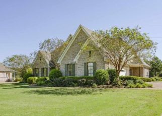Foreclosed Home in BRIER HILLS DR, Collierville, TN - 38017