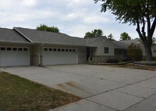 Foreclosed Home in ILLINOIS AVE SW, Huron, SD - 57350