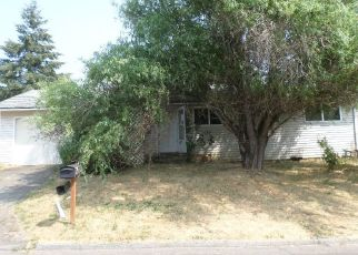 Foreclosed Home in SE 71ST AVE, Portland, OR - 97222