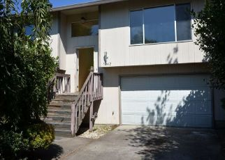 Foreclosed Home in NE ROSELAWN ST, Portland, OR - 97218