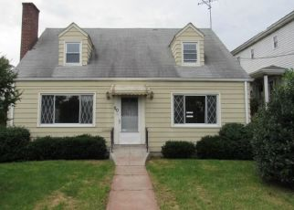 Foreclosed Home en LYON ST, Port Chester, NY - 10573