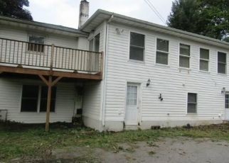 Foreclosed Home en ST ANDREWS RD, Walden, NY - 12586