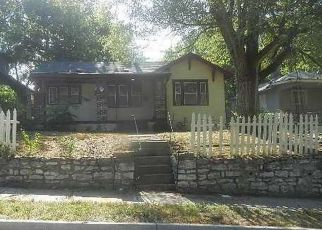Foreclosed Home en S BENTON AVE, Kansas City, MO - 64130