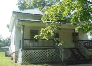 Foreclosed Home en E MAIN ST, Bowling Green, MO - 63334