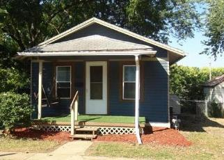 Foreclosed Home en S PLEASANT ST, Independence, MO - 64055