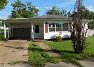 Foreclosed Home en DUNKLIN ST, Potosi, MO - 63664