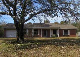 Foreclosed Home in OAKVIEW DR, Como, MS - 38619