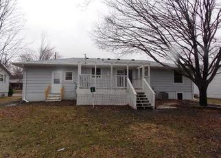 Foreclosed Home en S 4TH AVE, Albert Lea, MN - 56007