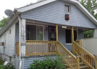 Foreclosed Home en ELLSWORTH ST, Detroit, MI - 48238