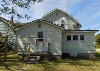 Foreclosed Home en N 1ST ST, Manistique, MI - 49854