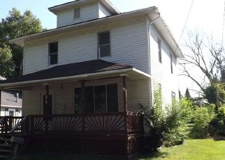 Foreclosed Home in MARSHALL ST, Essexville, MI - 48732