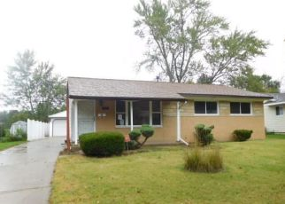 Foreclosed Home en RISDALE AVE, Lansing, MI - 48911
