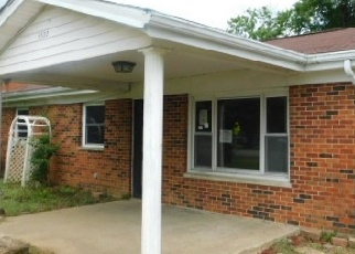 Foreclosed Home in ROGERS LN, Burlington, KY - 41005