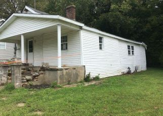 Foreclosed Home in DARST ST, Stanford, KY - 40484