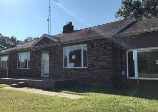 Foreclosed Home in E FAIRFIELD RD, Mount Vernon, IL - 62864