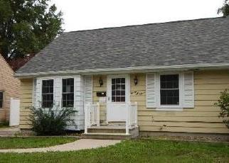Foreclosed Home in BUCHANAN DR SE, Cedar Rapids, IA - 52403