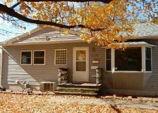 Foreclosed Home in 39TH ST SE, Cedar Rapids, IA - 52403