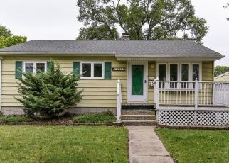 Foreclosed Home in OAKWOOD AVE, Lansing, IL - 60438