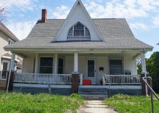 Foreclosed Home in N 9TH ST, Quincy, IL - 62301