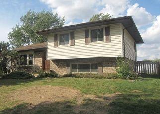 Foreclosed Home en BARRETT LN, Schaumburg, IL - 60193
