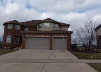 Foreclosed Home en CASTLE DARGAN DR, Country Club Hills, IL - 60478
