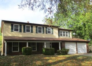 Foreclosed Home en CHADWICK DR, Alton, IL - 62002