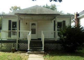 Foreclosed Home in COLLEGE AVE, Alton, IL - 62002